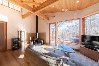 軽井沢町内 建売別荘の内装、インテリアプランと施工状況