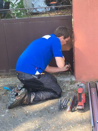 Chantier- batardeau-anti-inondation-HydroprotectFrance vente et installations des barrières anti-inondations dans toutes les régions de France