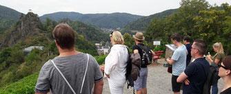 Verknüpfen Sie eine Wanderung von Altenahr nach Mayschoß mit einer Weinprobe.