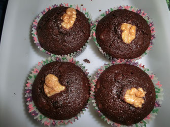 Dunkle Schoko mit Nuss Muffins