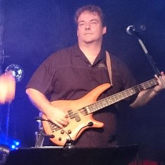 Claus Bass, Vocals