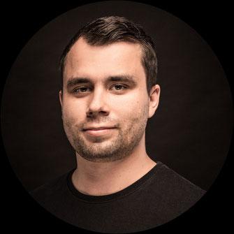 Niklas Schunk (Bass)