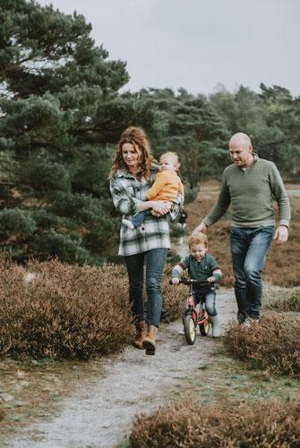 fotoshoot gezin, gezinsshoot, fotoshoot Limburg, fotoshoot in de natuur