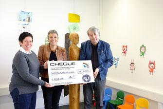 Checkübergabe an die Stiftung Kinderhospiz im Oktober 2016, CHF 6000
