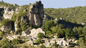 parc-naturel-regional-des-grands-causses-village-de-Saint-Véran-gite-de-charme-avec-piscine-privée-le-colombier-saint-veran-aveyron-occitanie-france