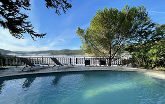 piscine-privee-chauffee-du-gite-d'-exception-en-aveyron-le-colombier-saint-veran-location-vacances-à-proximite-du-viaduc-de-millau-l-pnr-grands-causses-region-occitanie-france