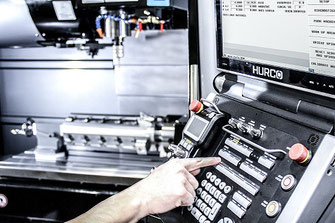 Hurco MAX5 besturing met CNC programmeur