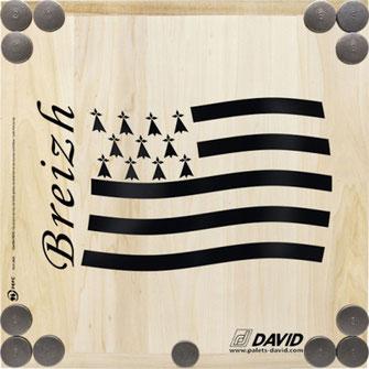 Planche et palets en fonte du jeu du Palet Breton