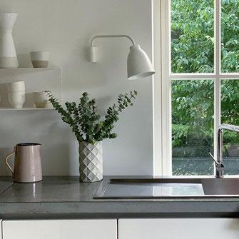 Klare Kante Design Beton Vase Betonvase Betongefäß DIY Handmade Blumenvase Weinkühler