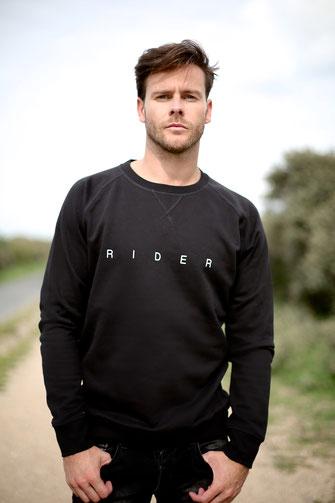 """RIDER"" SWEATER 65€ (2 KLEUREN)"