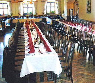 Festsaalvon 60 bis 150 Personen, im Gasthof Falkenstein in Flintsbach