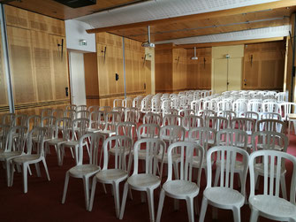 location chaises et tables séminaires, réunions, congrés, conférences