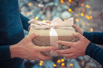 Geschenk, Glückwünsche, Übergabe