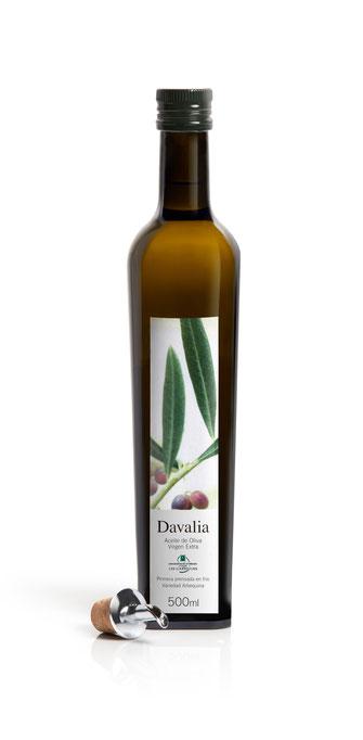 Flasche spanisches Olivenöl Davalia, 100% Arbequina Oliven, extra nativ, kaltgepresst, extra vergine, single estate, natürlich, DO Las Garrigues, bottle of olive oil extra nativ, extra virgen, cold pressed 100% Arbequina olives, natural, Spain, 500ml