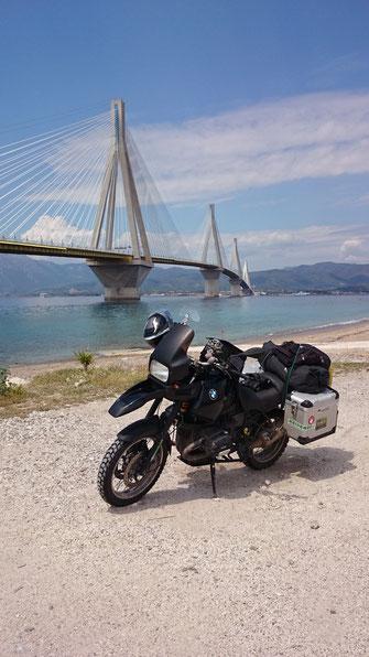 kurz nach Ankunft in Griechenland, an der Brücke kurzen Fotostopp eingelegt