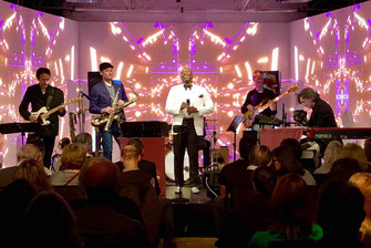Live Band Theater im Zimmer Hamburg