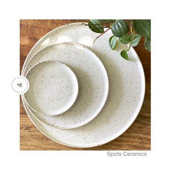 Spots Teller weiß, ©Sabine Schönbohm Keramikatelier