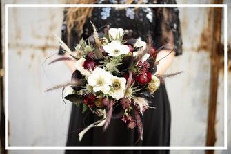 Bouquet de mariée, organisation et décoration d'un mariage rock en noir, par My Daydream Wedding, wedding planner et décoratrice de mariage à Lille et dans le Nord