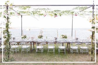 Photo de la décoration de table, organisation d'un mariage romantique en Sardaigne, par My Daydream Wedding, wedding planner et décoratrice de mariage à Lille et dans le Nord