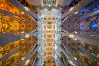 Das Hauptschiff der Sagrada Familia von Tobias Gawrisch (Xplor Creativity)