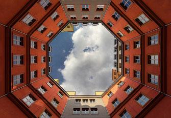 Innenhof in Berlin von Tobias Gawrisch (Xplor Creativity)