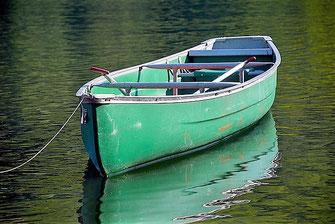 Das ist ein typisches Kanu.