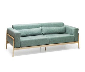 Grünes-Sofa-Fawn-von-Gazzda-aus-Eiche
