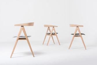 Gazzda-Stuhl-Ava-mit-Polsterung-Webstoff