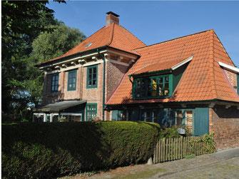 Das Gebäude wurde in der zweiten Hälfte des 17. Jahrhunderts als Landhaus gebaut. Ajepbah,Predigerwitwenhaus (Hamburg-Billwerder).ajb,CC BY-SA 3.0