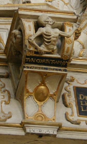Bildhauersignatur am Epitaph des Obervierherrn Jacob Naffzer (†1586) und seiner Frau Anna Naffzer, geb. Kranichfeld (†1603), um 1590, Erfurt, Predigerkirche. Foto: Sven Pabstmann