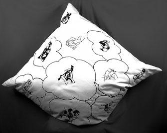 Sweet Dreams, 2012. Tageskissen. (Maschinenstickerei auf Köper, 90 x 90 cm)