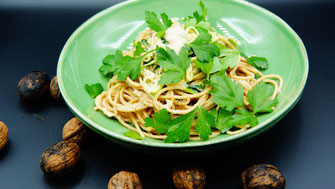 Vollkornspaghetti mit Walnuss-Ingwer-Pesto - vegansports fit & healthy