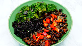 Black Bowl - ballaststoffreiches Dinner oder Lunch - vegansports fit & healthy