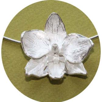 Bild: Orchideen Anhänger aus Silber ,Schmuck aus Flensburg von Andrea Hildebrandt