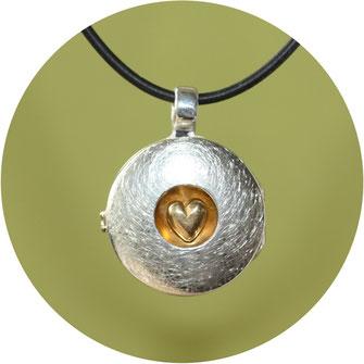 Bld:Medaillon Anhänger in Silber,2,5cm rund mit Herz in der Mitte