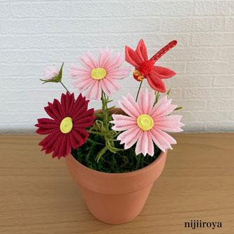 秋桜とトンボ つまみ細工nijiiroya