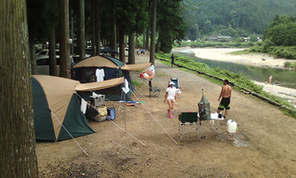 板取川キャンプ場比較 オートキャンプ 子供も安心 女性も安心 モネの池の宿泊 車中泊にも最適 AC電源付きから直火可・ペット可 渓流釣り 鮎釣り トレッキング 岐阜県のグランピング