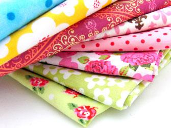 Hochwertige Designerstoffe in schönen Farbkombinationen