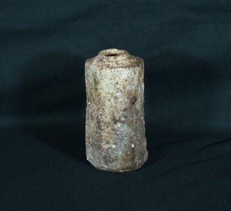 信楽面取り花入れ-信楽土(径9.5cmx高さ17cm)
