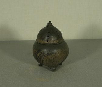 弁柄黒化粧香炉ー信楽白水簸(径10cmx高さ14cm)
