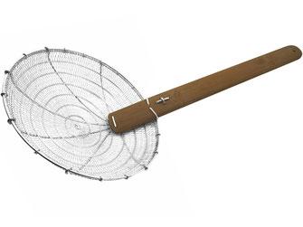 Traditioneller Frittiersieb aus Asien. Mit großem Stahlsieb und fein verflochtenem Sieb. Langer Bambusgriff.