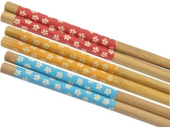 Verschenken Sie tolle Bambusstäbchen mit 3 verschiedenen Farben in der praktischen Geschenkbox