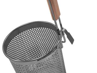 Gelochter Wantan Sieb aus Hongkong mit Holzgriff und Griffhaken zum Einhängen im Kochtopf
