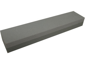 Basis Schleifstein mit 2 unterschiedlich groben Körnungen. Mit grober Körnung zum Schleifen, mit feiner Körnung für den Feinschliff.