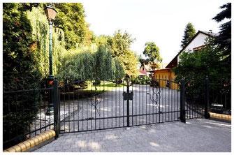 14797 Kloster Lehnin, Außergewöhnliche Immobilie mit Gästehaus umgeben von viel Natur, Michendorf und Umgebung