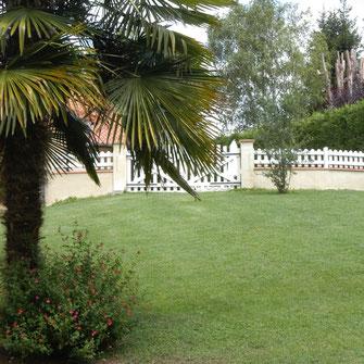 gite gîte gites vacances location piscine jardin parc Pyrénées Pyrenees barbecue