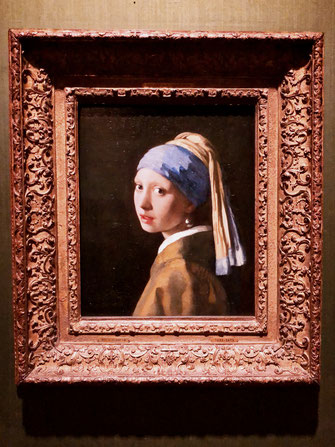 Girl with a Pearl Earring - Mauritshuis in The Hague