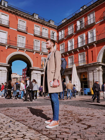 Thomas on Plaza Mayor