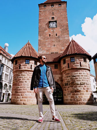 Rafael posing in front of the White Tower