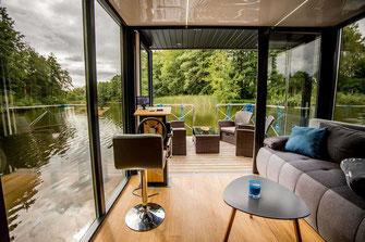 Hausboote mieten 5 Personen Brandenburg. Hausboot - Blick aus dem Wohnbereich.
